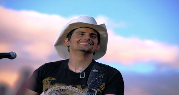 Brad Paisley's Norwegian Favorites i salg nå!