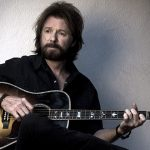 "Ny video: Ronnie Dunn – ""Kiss You There"""