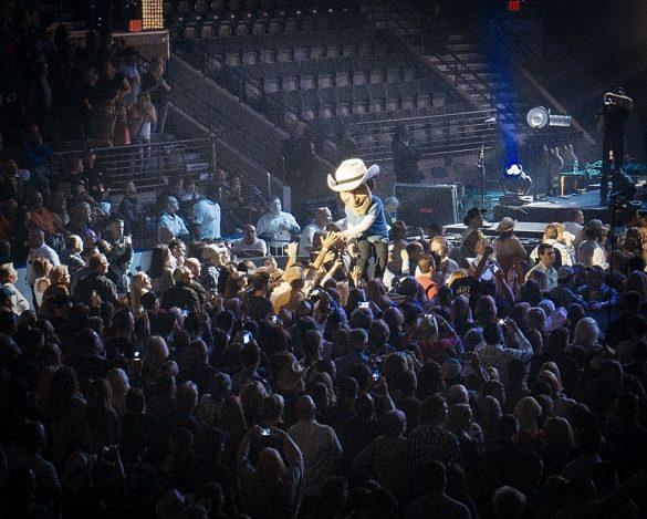 Brad Paisley @ Germain Arena, Estero, FL 23.01.2014.