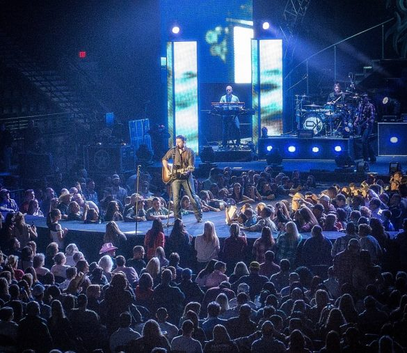 Chris Young @ Germain Arena, Estero, FL 23.01.2014.