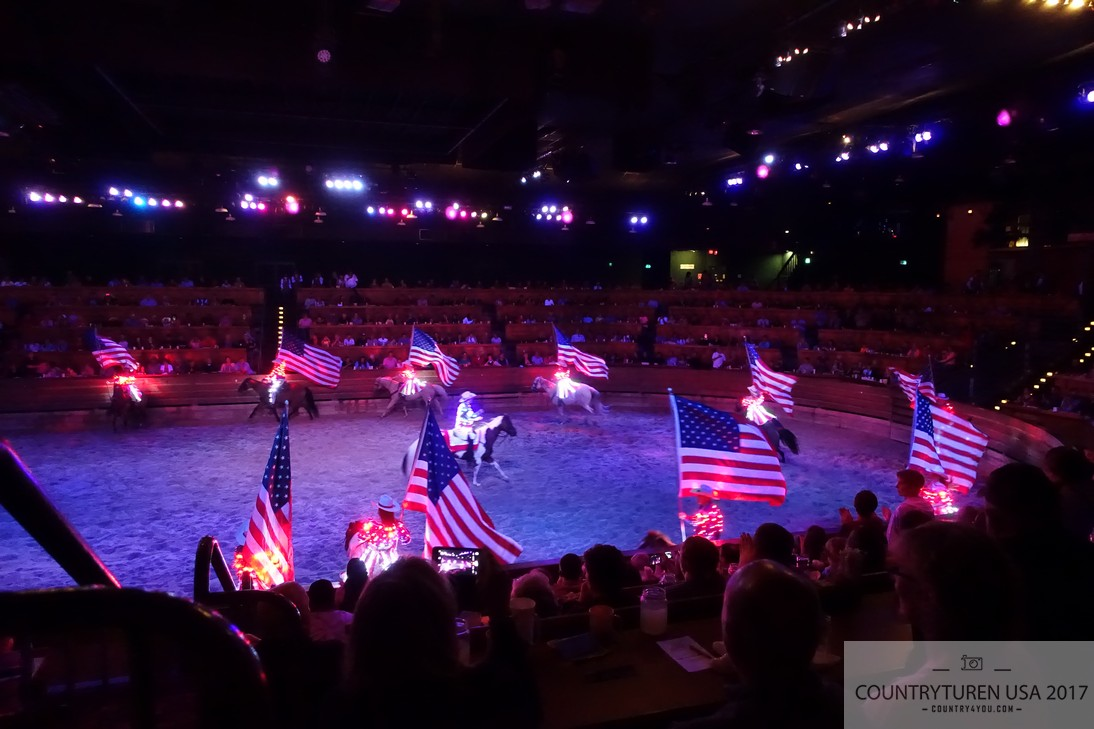 Dixie Stampede, Pigeon Forge